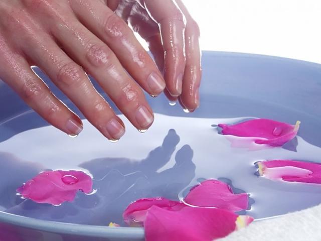 Ванночки для рук из парафина