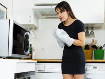 как убрать содой жир