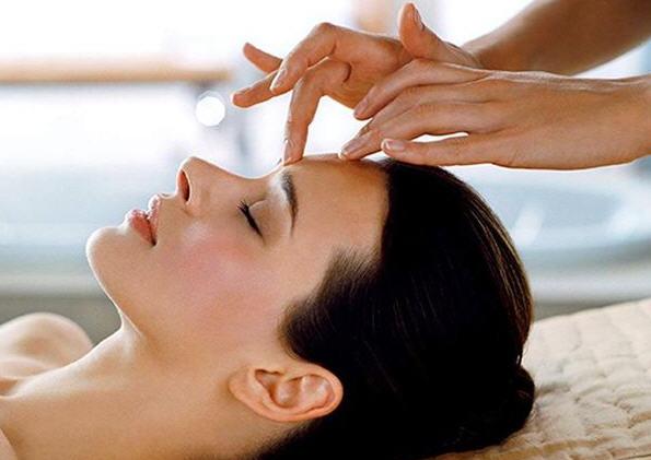 Польза точечного массажа для лица