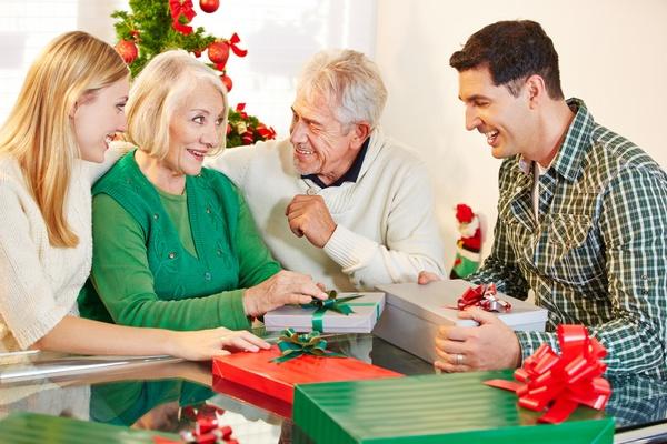 Что подарить родителям мужа на Новый год