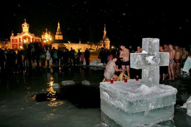 Можно ли мыться на Крещение 19 января