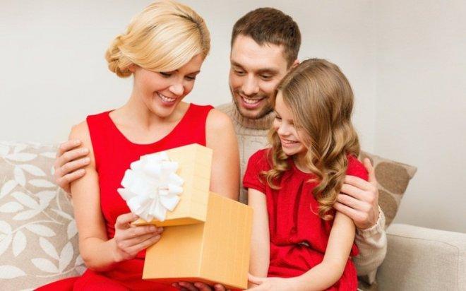 Что подарить дочке на Новый год