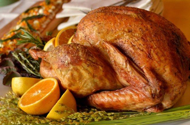 Как приготовить индейку в духовке, чтобы мясо было мягким и сочным