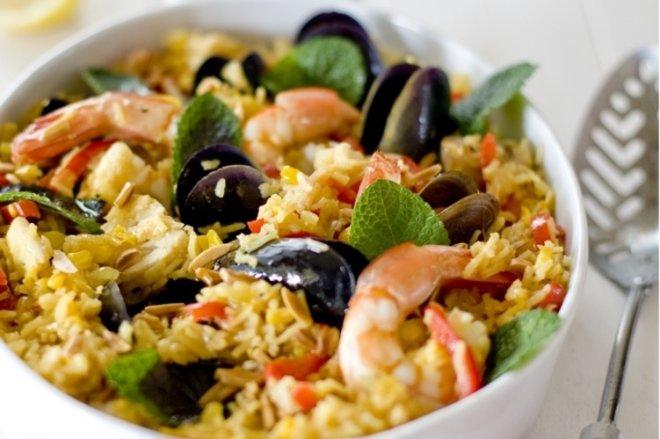 Салат с морепродуктами и рисом рецепт морской коктейль