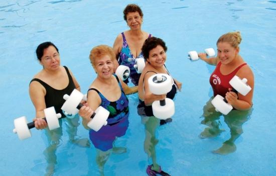 Аквааэробика: польза занятий для организма, эффективность для похудения
