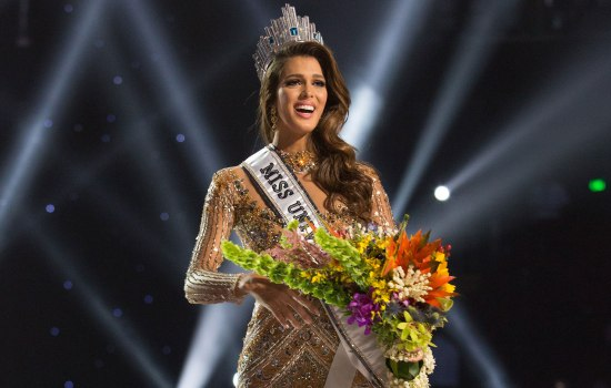 Корона Мисс Вселенной вернулась во Францию спустя 64 года