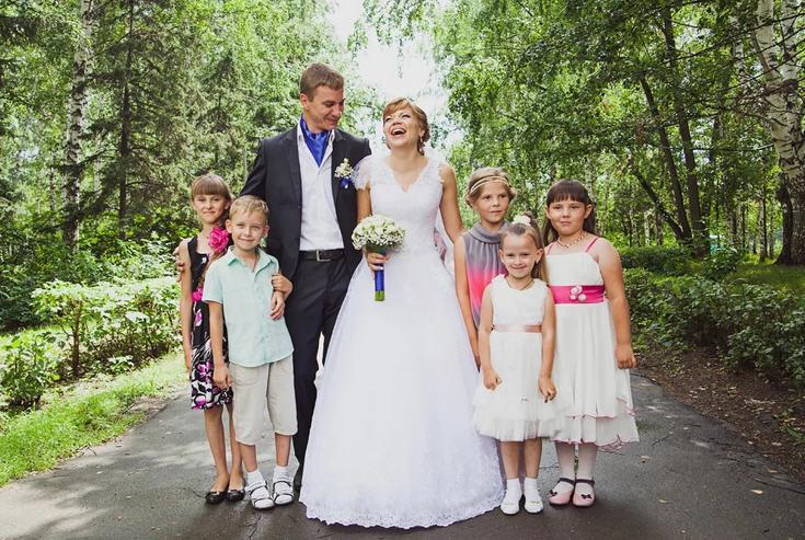 Дети на свадьбе примета