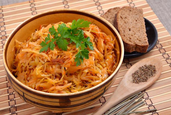 Как потушить квашеную капусту рецепты