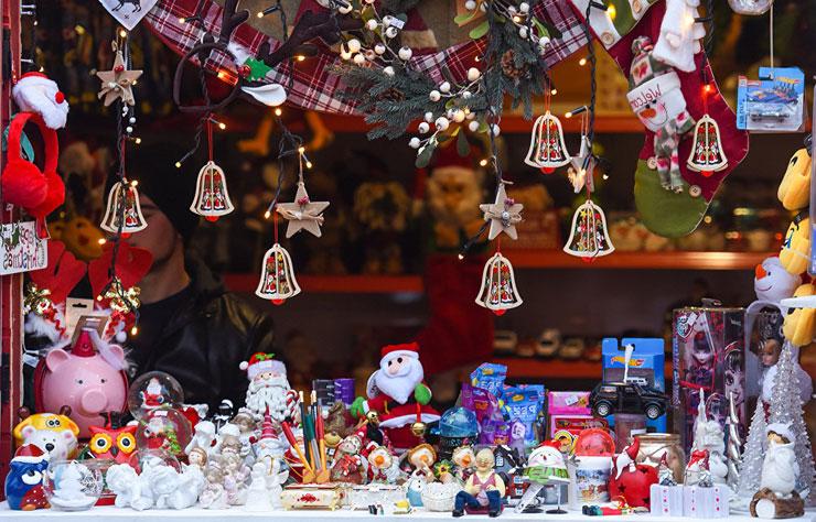 Топ 10 самых популярных подарков на Новый год 2018