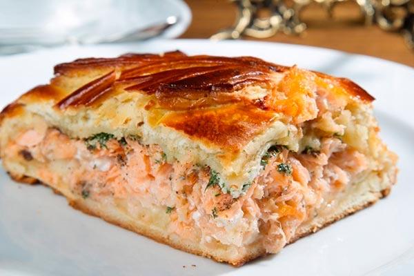 Рецепт рыбного сытного пирога с творожным сыром