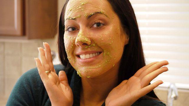 Как и чем увлажнить кожу лица дома