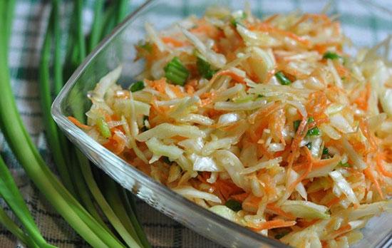 Быстрый и вкусный салат из свежей капусты