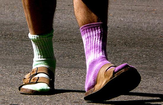 К чему одеть разные носки
