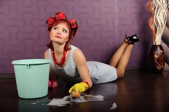 Можно ли мыть полы вечером