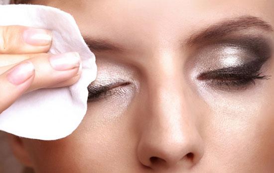 Очищаем лицо от макияжа: как и с помощью чего это делать