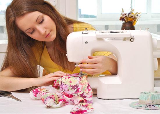 Как выбрать идеальную швейную машинку за 20 минут? Видовые особенности