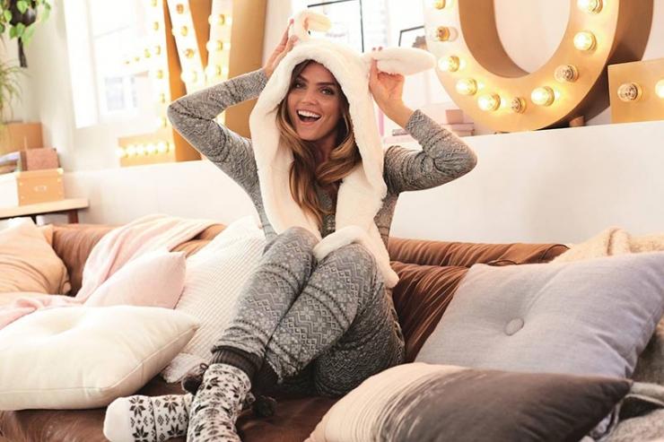 Домашняя одежда: купить практичные и удобные вещи для быта