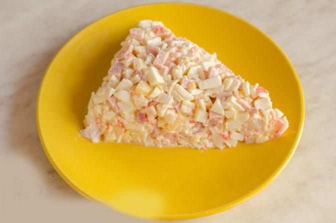 треугольный брусок сыра