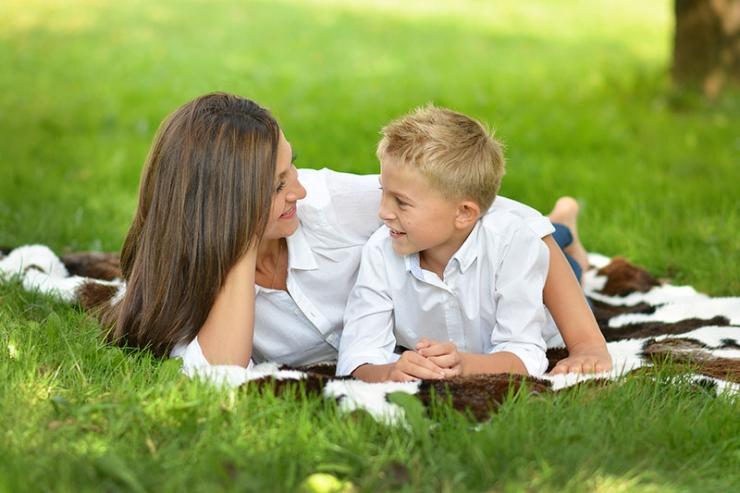 Секреты детской психологии: почему девочки влюбляются в пап, а мальчики в мам?